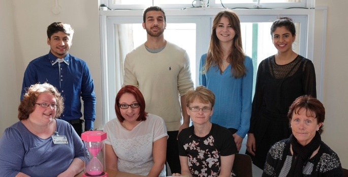 dental-students-with-carers-from-age-uk-plymouth-1425310138