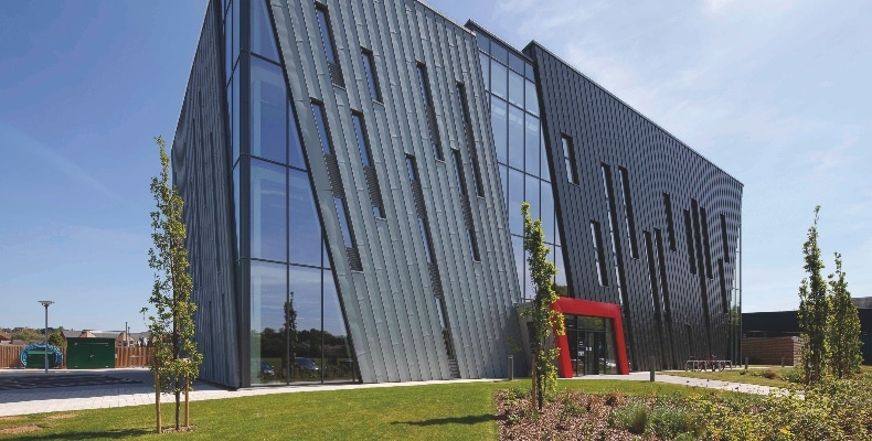 Kingspan TEK Cladding Panel was used to construct the airtight and highly insulated building shell for the University of Nottingham's RAD Building