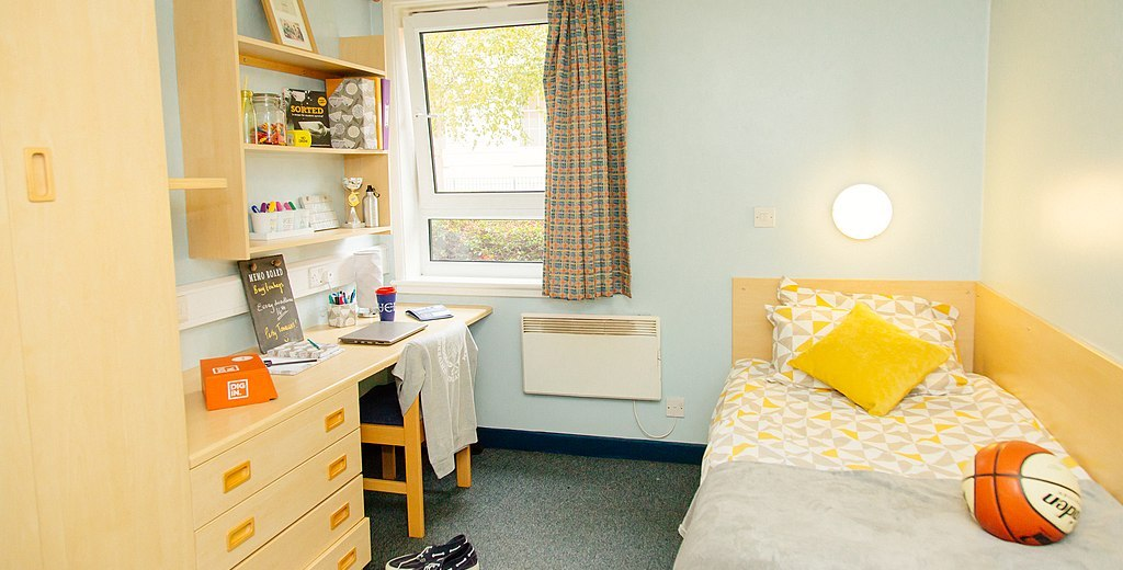 Fifth of students could not pay rent this winter – NUS